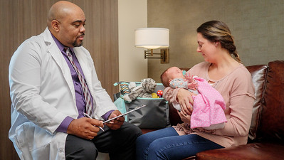 120117_14237_Hospital_Doctor Mom Baby