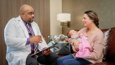 120117_14169_Hospital_Doctor Mom Baby