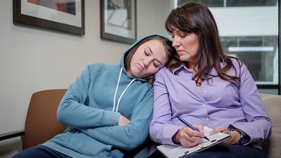 120117_15300_Hospital_Mom Daughter ER