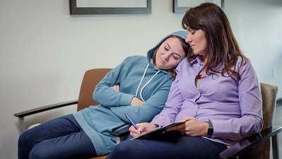 120117_15229_Hospital_Mom Daughter ER