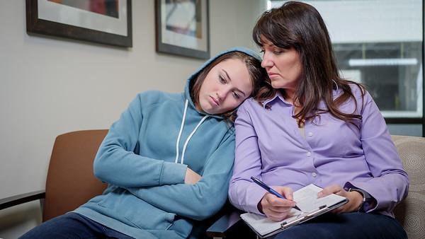 120117_15334_Hospital_Mom Daughter ER