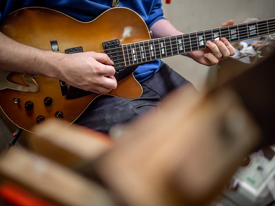 030621_7884_Ian Peters - Luthier