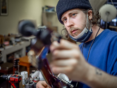 030621_6513_Ian Peters - Luthier