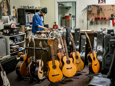 030621_6243_Ian Peters - Luthier