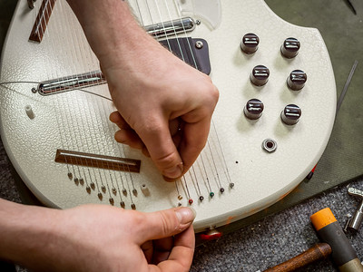 030621_7509_Ian Peters - Luthier
