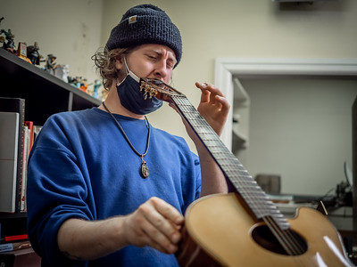 030621_6145_Ian Peters - Luthier