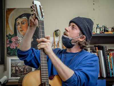 030621_6277_Ian Peters - Luthier