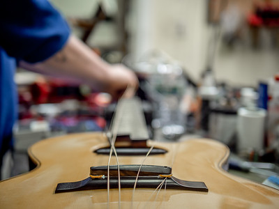030621_6431_Ian Peters - Luthier
