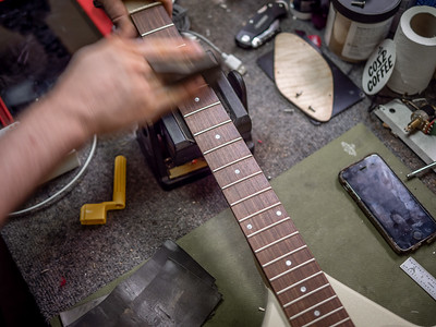 030621_7242_Ian Peters - Luthier