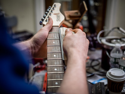 030621_6946_Ian Peters - Luthier