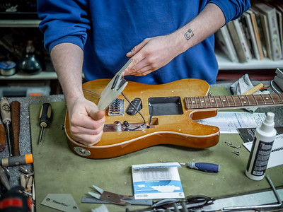 030621_6748_Ian Peters - Luthier