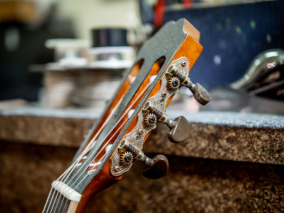 030621_6471_Ian Peters - Luthier
