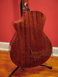 082217_7057_Breedlove Bass
