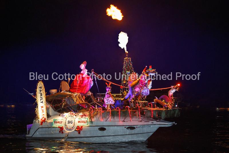 071R_8x12_Non-CommercialSweepstakes_BoatParade_2017_BleuCottonPhotoInc_R_#25ParadiseFound