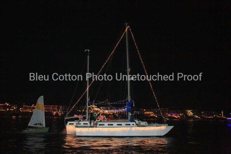3A8A0593_NB_Christmas_Parade_BleuCottonPhotoInc