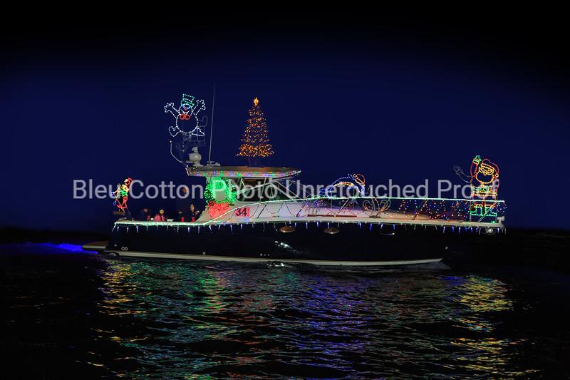 3A8A0568RB_8x12_NB_Christmas_Parade_BleuCottonPhotoInc