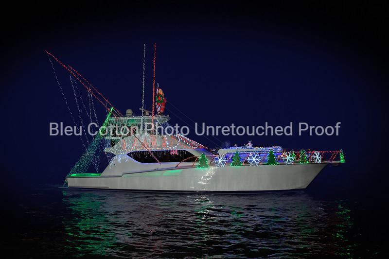 3A8A0595RB_8x12_NB_Christmas_Parade_BleuCottonPhotoInc