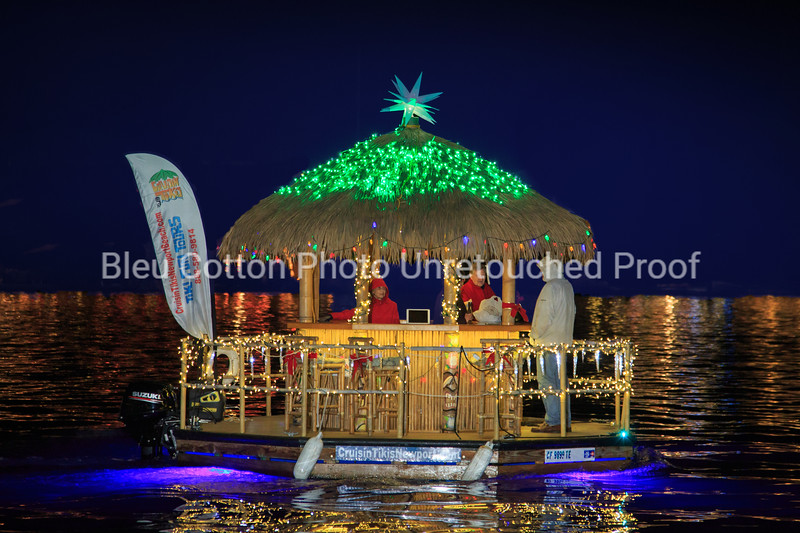 3A8A0485R_8x12_NB_Christmas_Parade_BleuCottonPhotoInc