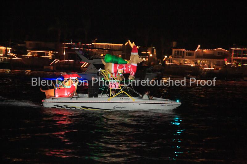 3A8A0565_NB_Christmas_Parade_BleuCottonPhotoInc