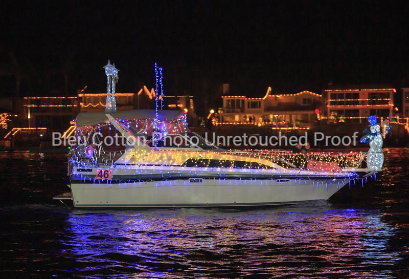 3A8A0498_NB_Christmas_Parade_BleuCottonPhotoInc