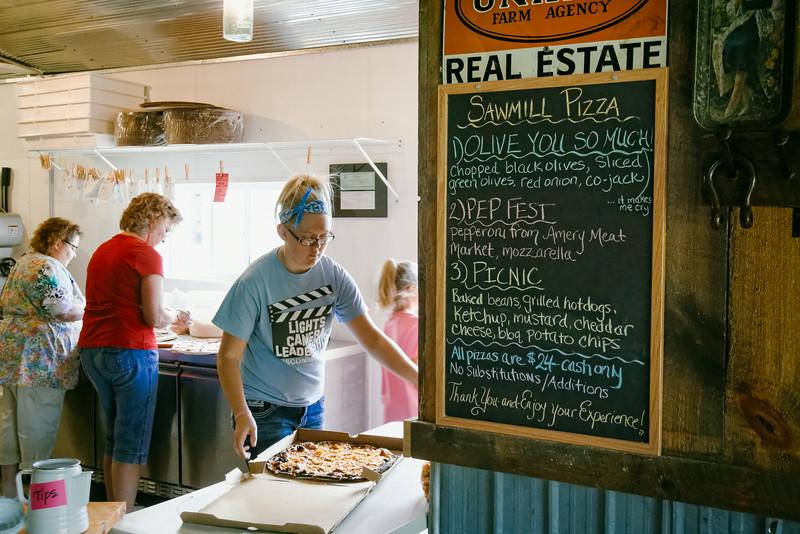 Sawmill Pizza 070314-83