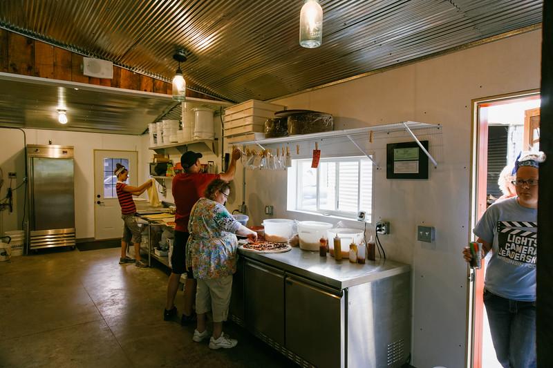 Sawmill Pizza 070314-77
