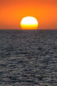 Sunset on the Pacific Ocean off of Hawaii, USA