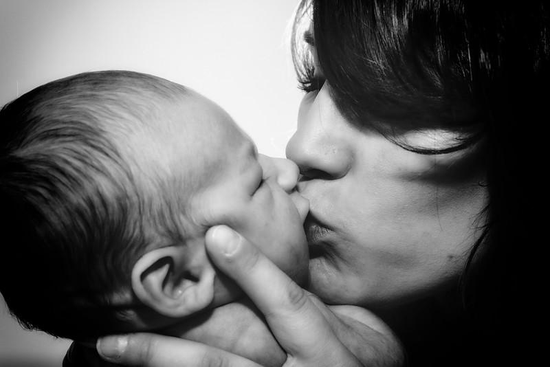 Gemma, Paul & Baby Leo-021