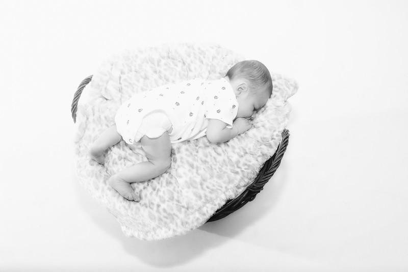 Gemma, Paul & Baby Leo-010