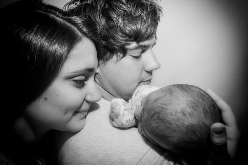 Jessica, Chris & Baby Luca (024)