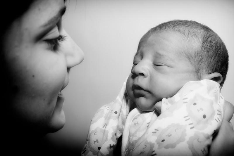 Jessica, Chris & Baby Luca (020)