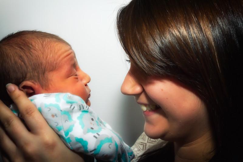 Jessica, Chris & Baby Luca (018)