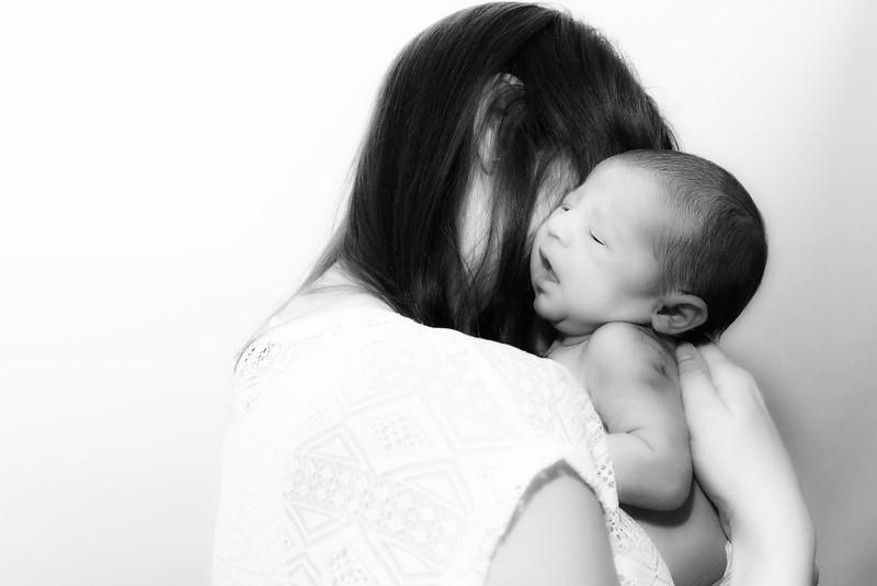 Jessica, Chris & Baby Luca (005)
