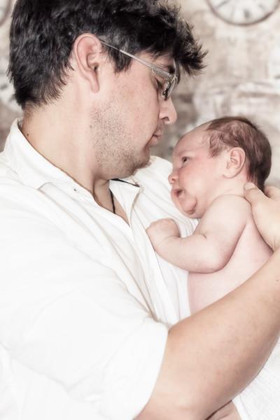 Marion, Joe & Baby Oskar 004
