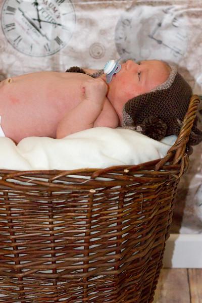 Marion, Joe & Baby Oskar 018