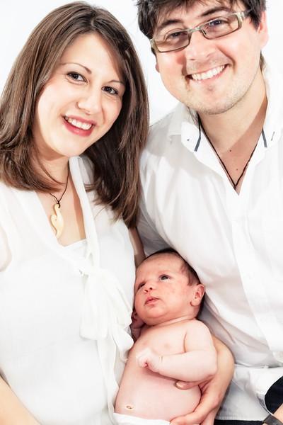 Marion, Joe & Baby Oskar 012