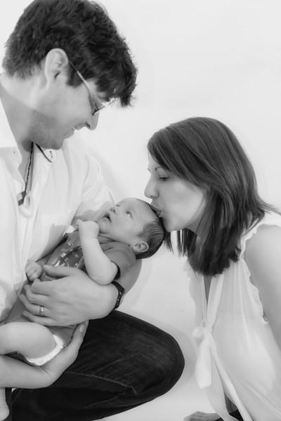 Marion, Joe & Baby Oskar 017