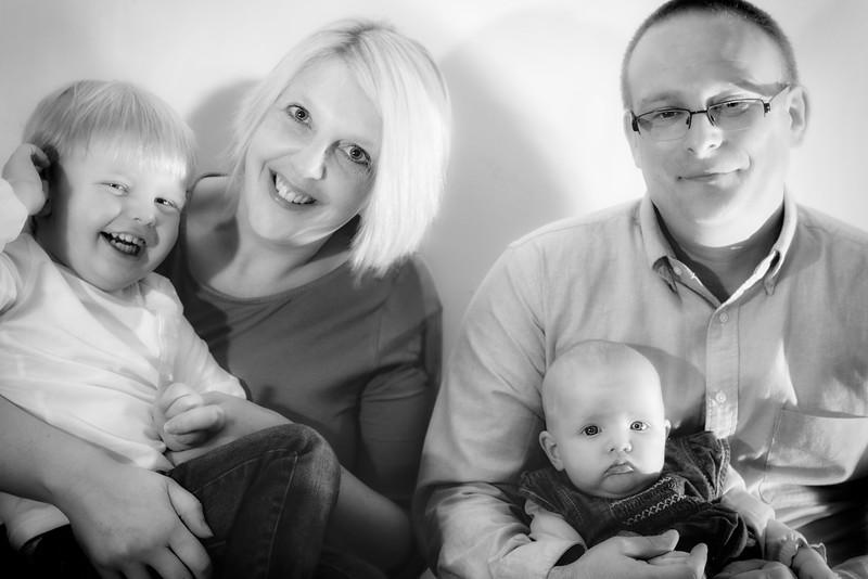 Emma, Scott, Sam & Baby Daisy 003