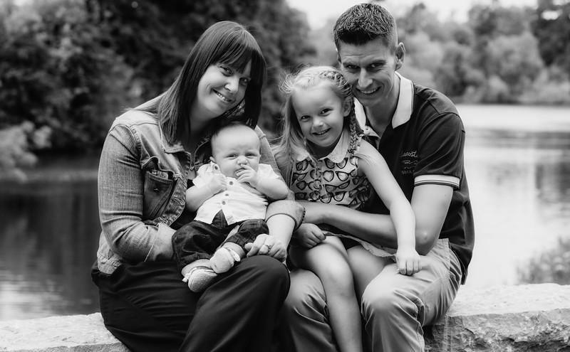 Gemma, Lee, Lauren & Baby RIley 010