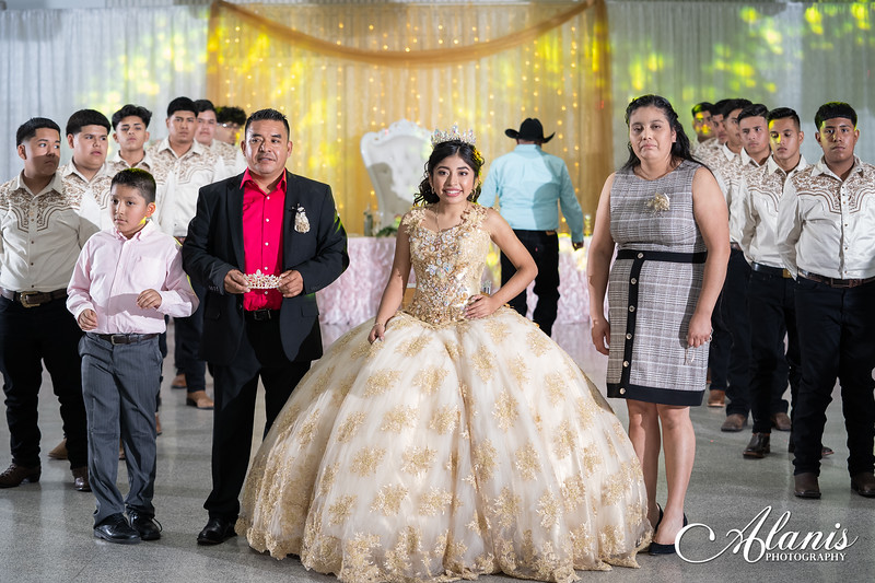 tampa_bay_wedding_quinceanera_photographer_Dalia_PartyDay-221