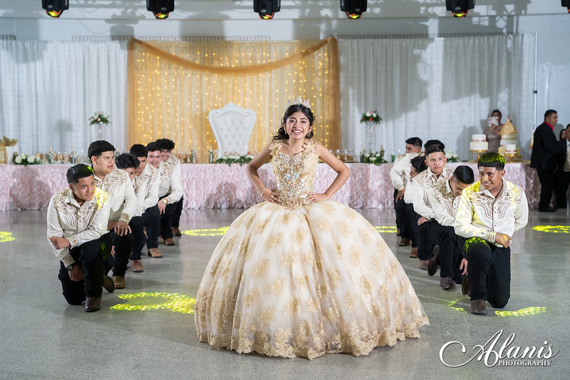 tampa_bay_wedding_quinceanera_photographer_Dalia_PartyDay-256