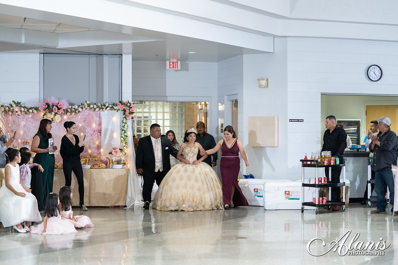tampa_bay_wedding_quinceanera_photographer_Dalia_PartyDay-195