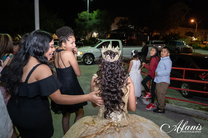 tampa_bay_wedding_quinceanera_photographer_Dalia_PartyDay-290