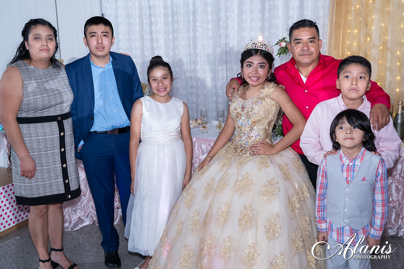 tampa_bay_wedding_quinceanera_photographer_Dalia_PartyDay-367