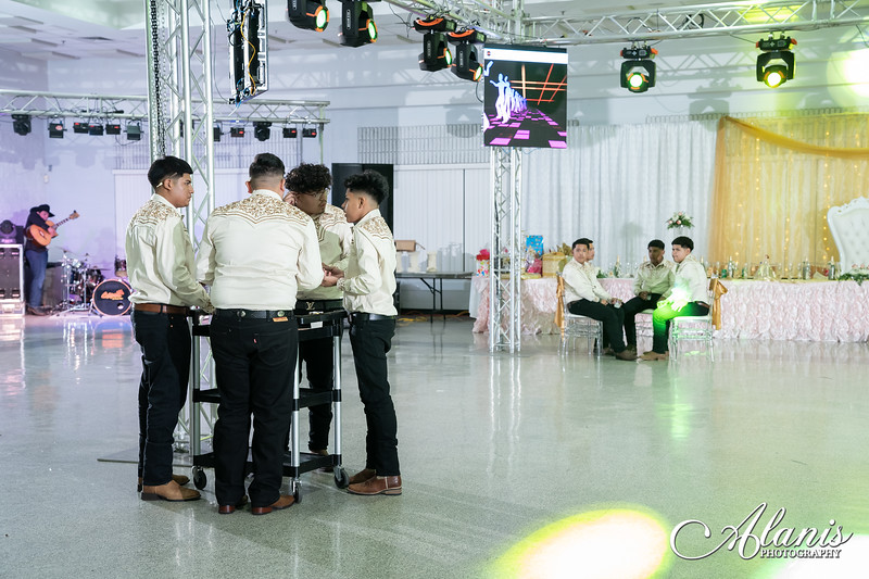 tampa_bay_wedding_quinceanera_photographer_Dalia_PartyDay-306
