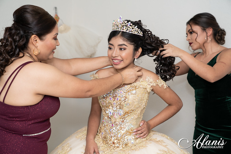 tampa_bay_wedding_quinceanera_photographer_Dalia_PartyDay-19