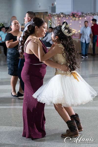 tampa_bay_wedding_quinceanera_photographer_Dalia_PartyDay-332