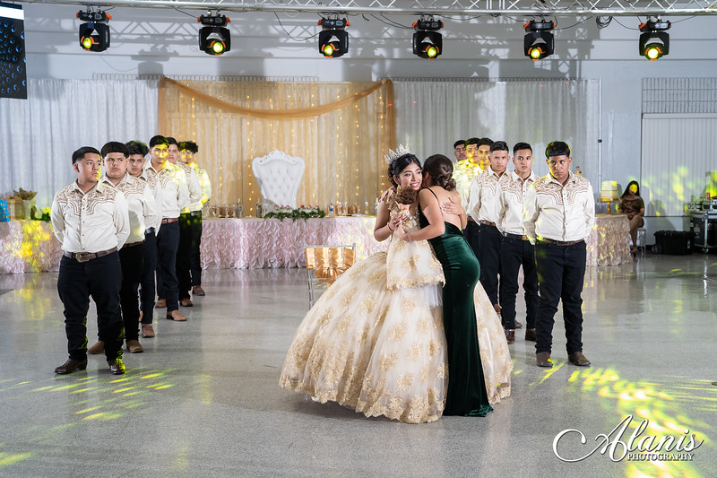 tampa_bay_wedding_quinceanera_photographer_Dalia_PartyDay-227