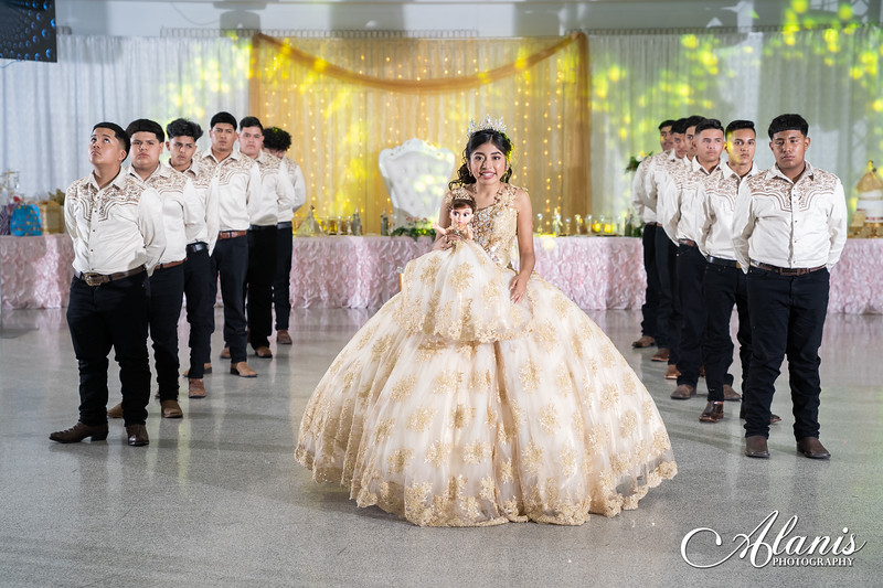 tampa_bay_wedding_quinceanera_photographer_Dalia_PartyDay-230