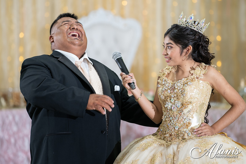 tampa_bay_wedding_quinceanera_photographer_Dalia_PartyDay-252